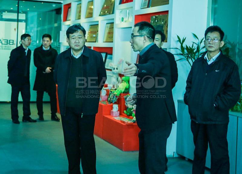济宁高新区党工委副书记、管委会副主任刘章箭一行莅临金沙娱城手机在线参观考察