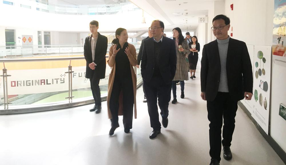 重庆万州旅游委一行来金沙动漫参观调研